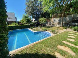 Sant Just Desvern-casa amb piscina